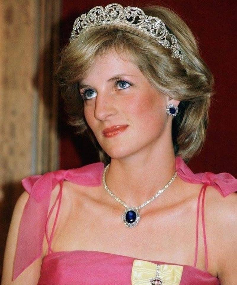Королева людских сердец»: За что британцы обожали принцессу Диану | 961x800