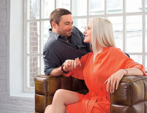 Холостяк Глинников фото и его девушка