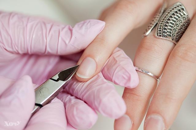 Редакция ХОЧУ тестирует: каким должен быть безопасный маникюр (4 стадии дезинфекции, медицинский педикюр, что делать, если грибок, и многое другое) - фото №17