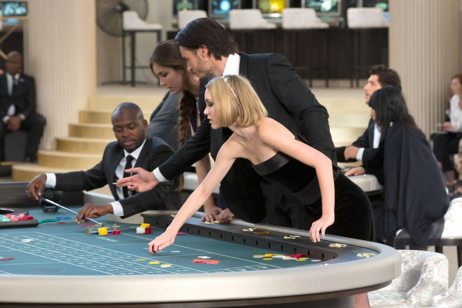Джони казино кто крышует игровые автоматы хабаровск