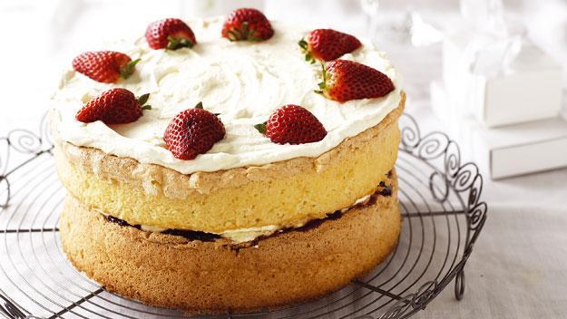 Как приготовить необычный кулич: рецепт ванильной паски с ягодами - фото №1