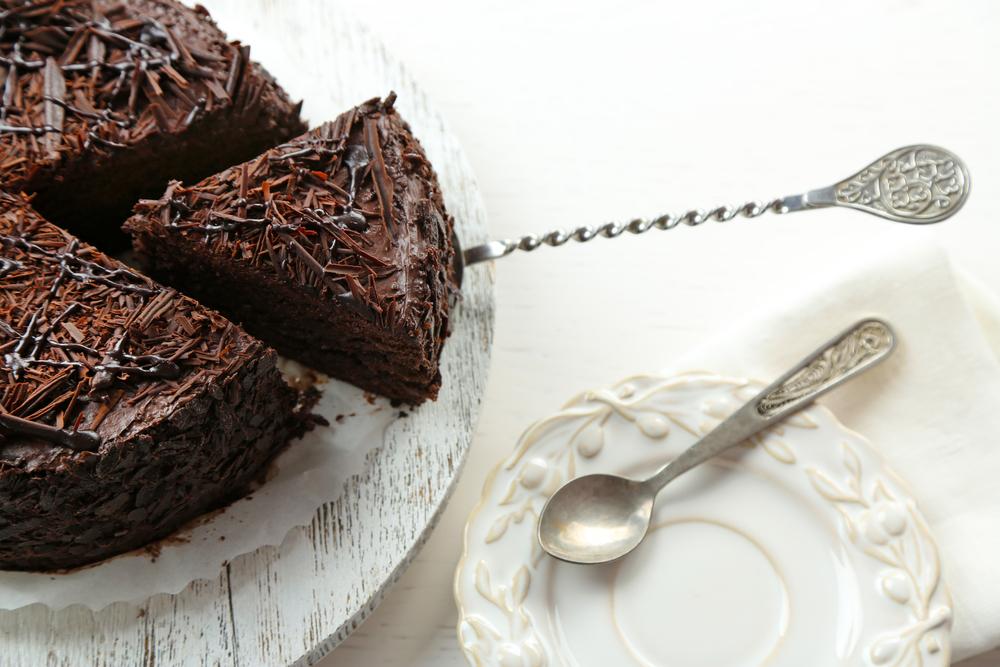 Рецепт вкусного шоколадного торта для большой компании: сладкий праздник - фото №1