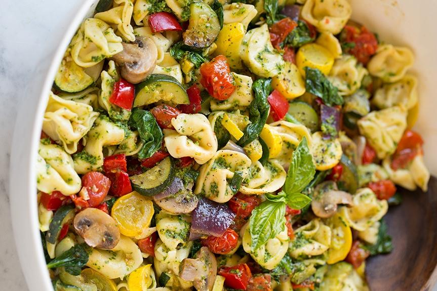 Рожки с овощами и соусом песто: идеальное блюдо для тех, кто хочет разнообразить свое меню - фото №1
