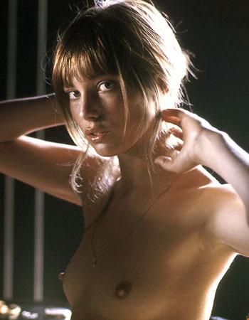 Девушка с 1 размером груди фото