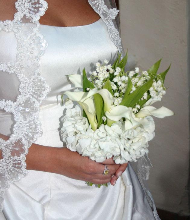 Цветов, свадебный букет каллы с ландышем