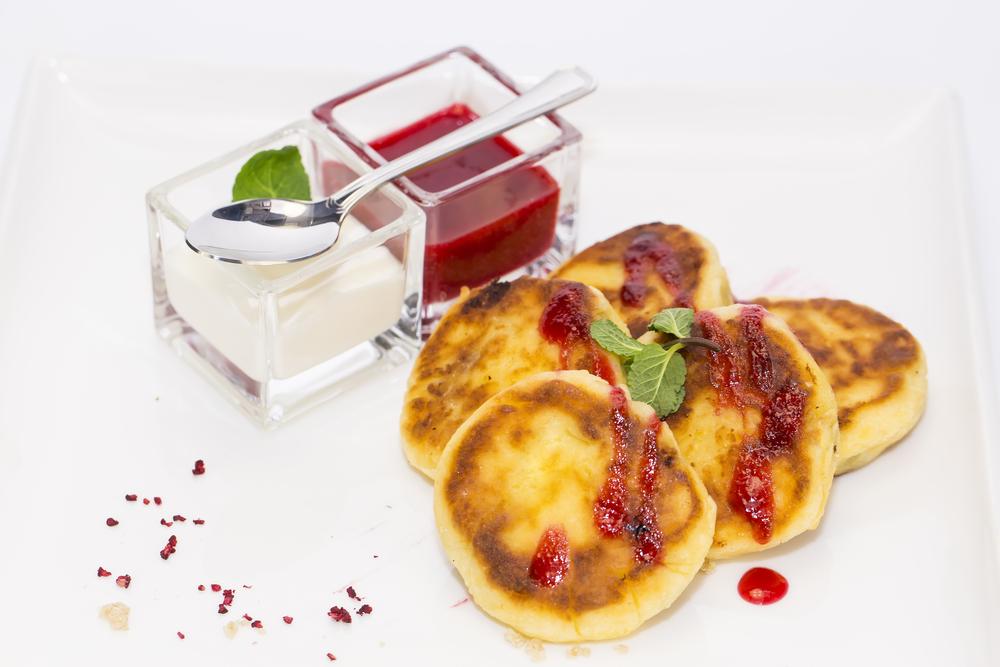 Лучшие рецепты сырников: готовим быстро и очень вкусно - фото №1