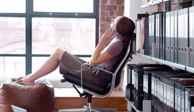 Долгий рабочий день мешает диете