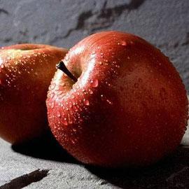 Хотите больше узнать о своем любимом - погадайте на яблоках