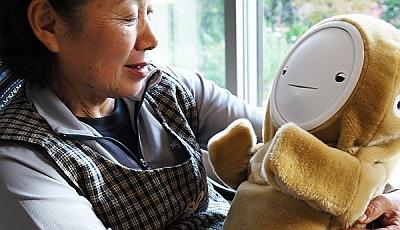 Изобрели робота для бабушек