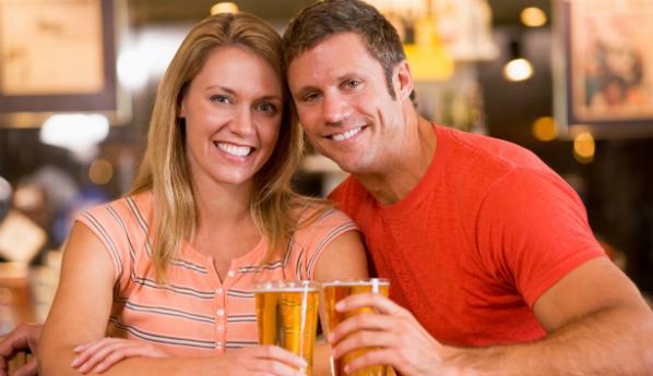 Мужчины любят женщин, предпочитающих пиво