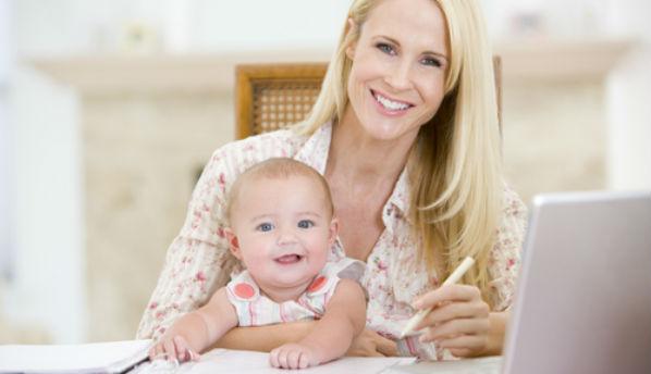 Ученые установили, что работающие мамы здоровее домохозяек