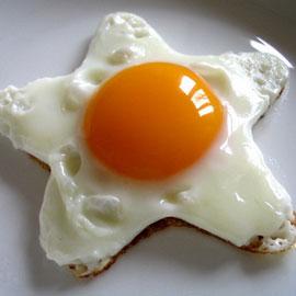 Легкий завтрак - сытная  яичница!