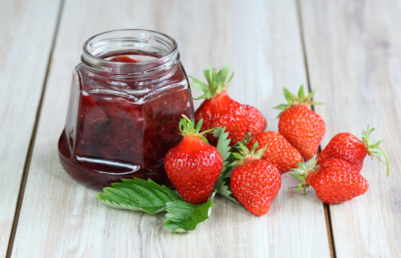 Варенье из клубники с цельными ягодами 5 минутка