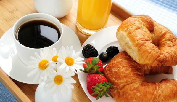 Диетологи доказали, что завтрак помогает похудеть