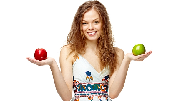 Ученые: яблоки разрушают зубы