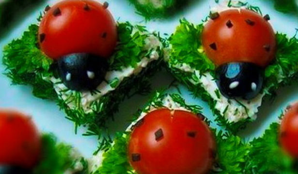 Украшение салатов божья коровка