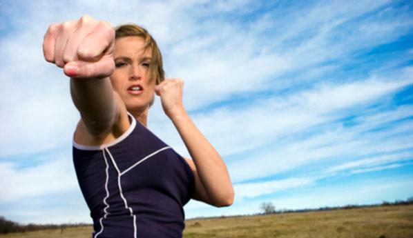 Бой без правил. Как защитить себя слабой женщине?