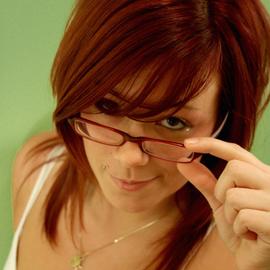 Носите очки? Делайте правильный макияж!
