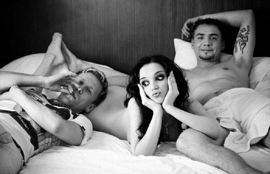 esli-muzhchina-predlagaet-seks-vtroem