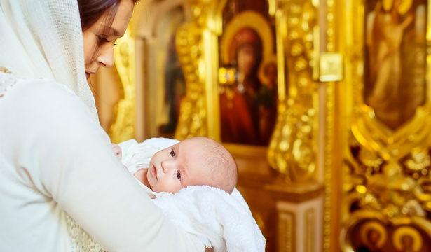 Крестины ребенка: как организовать и что подарить