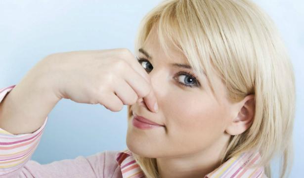 Стресс заставляет человека чувствовать неприятные запахи