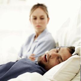 Чем опасно сонное апноэ? Избавь любимого от храпа