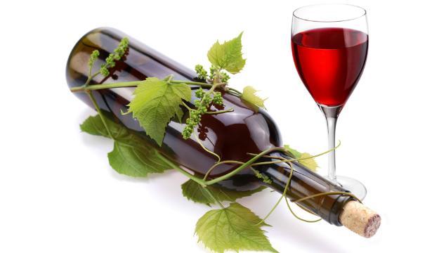Ученые сравнили бокал красного вина с тренировками в спортзале