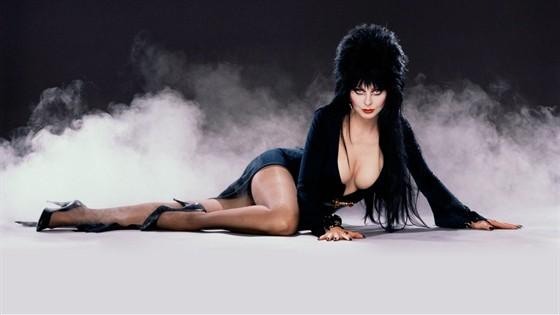 Как одеться на Хэллоуин: образы героинь мистических фильмов