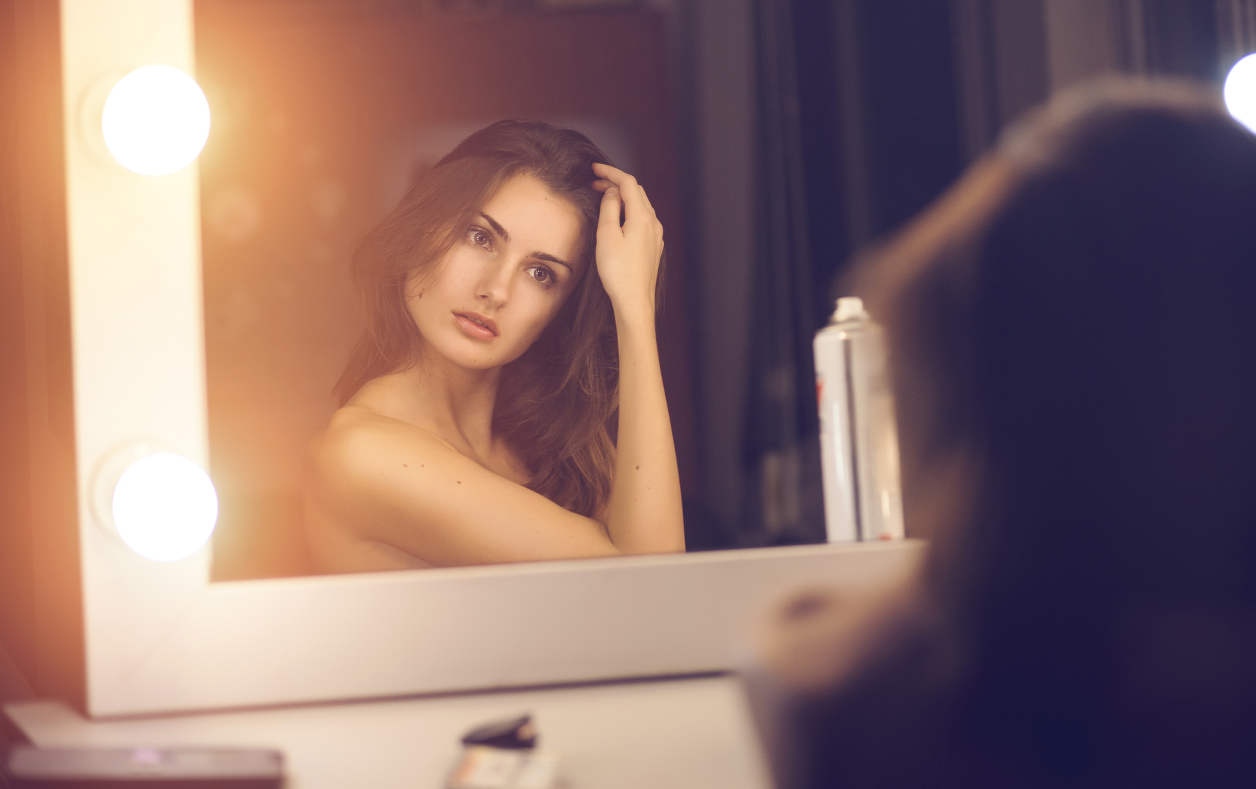Как сохранить макияж на весь день