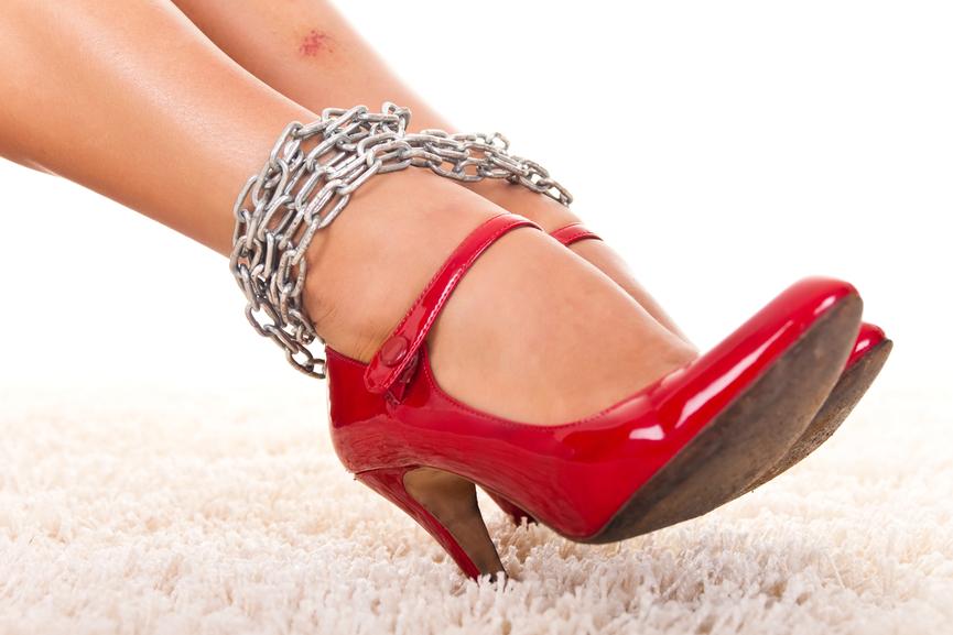 Как снять боль в ногах после туфель на каблуках