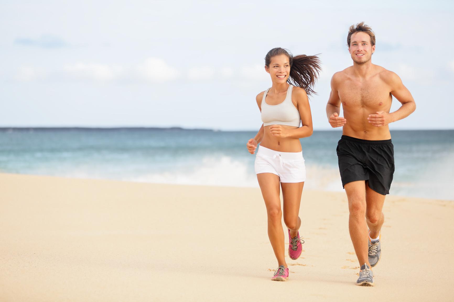 Фото упражнения азиаток занимаются на пляже 20 фотография