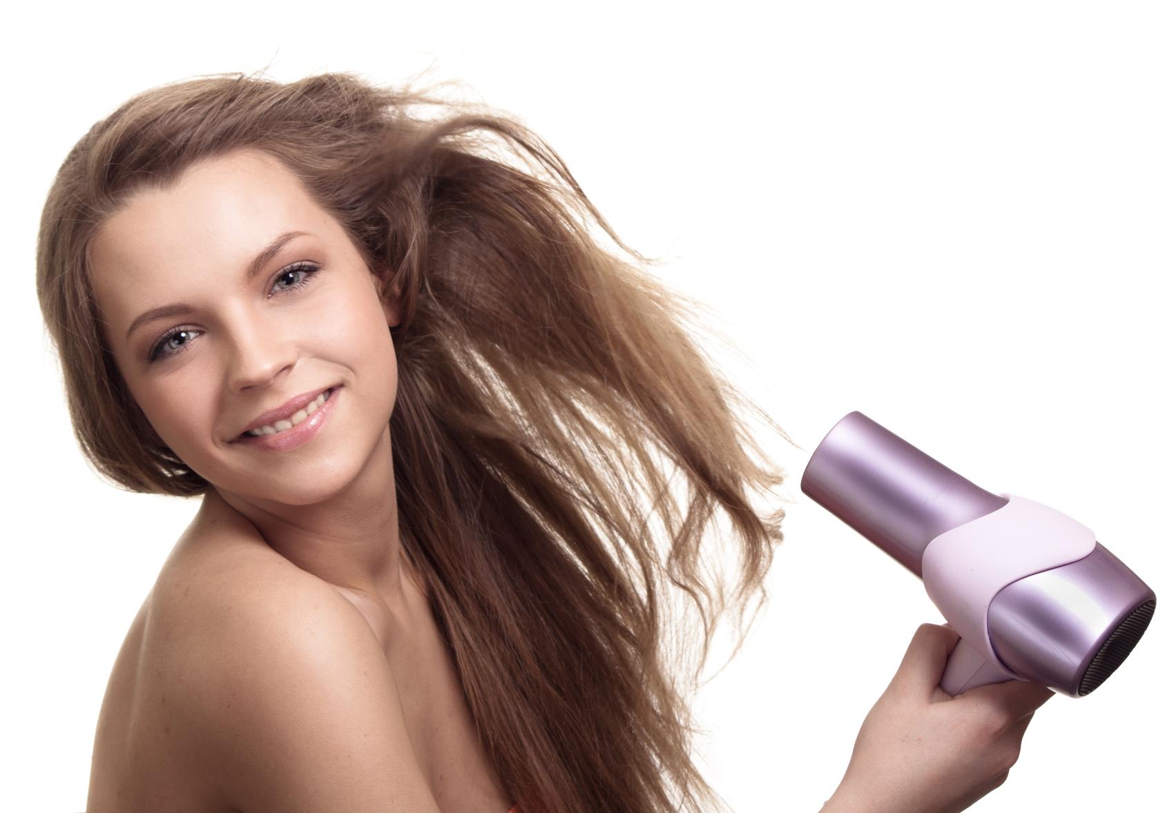 Как правильно высушить волосы феном