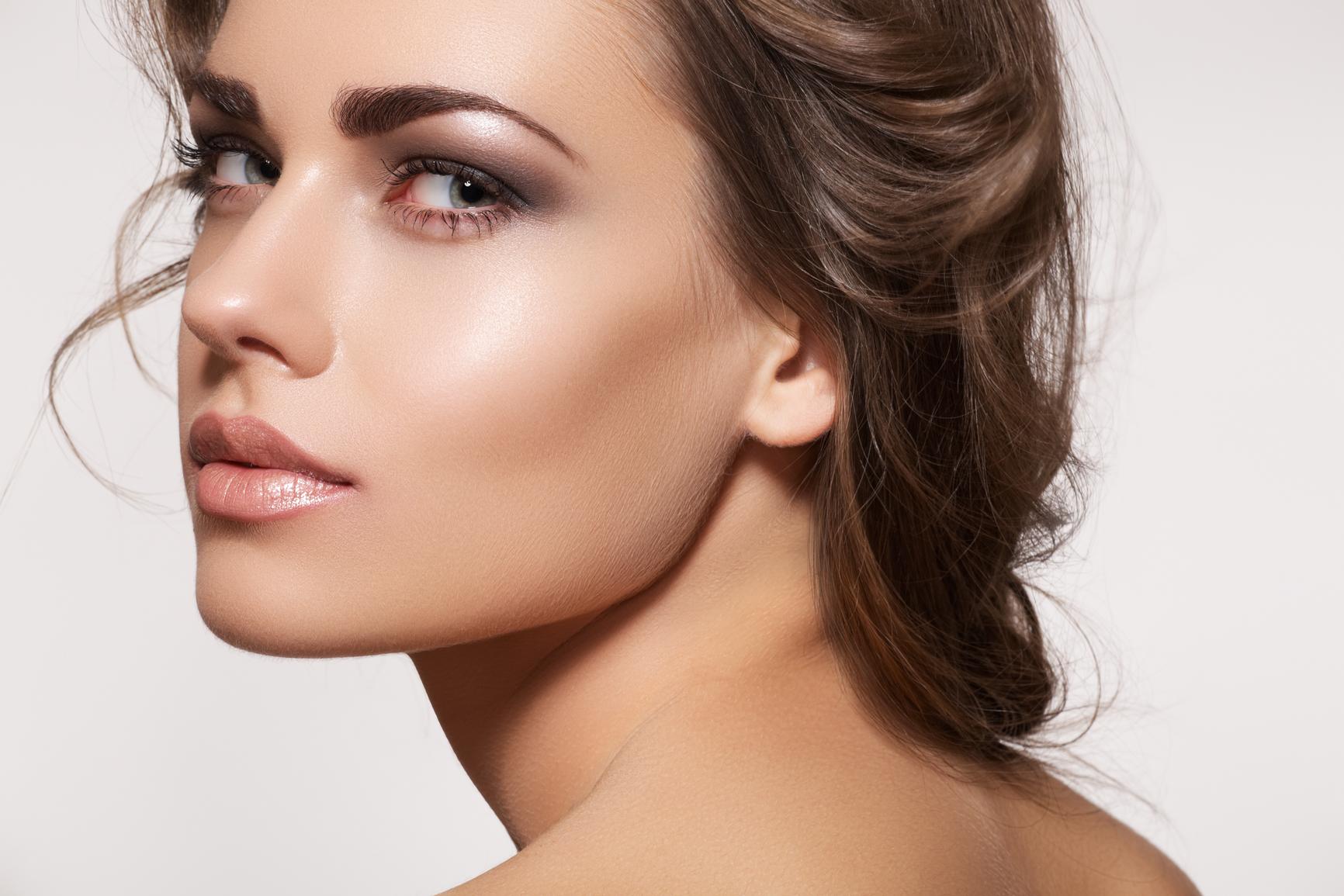 Как выщипать брови правильно: инструкция и полезные советы