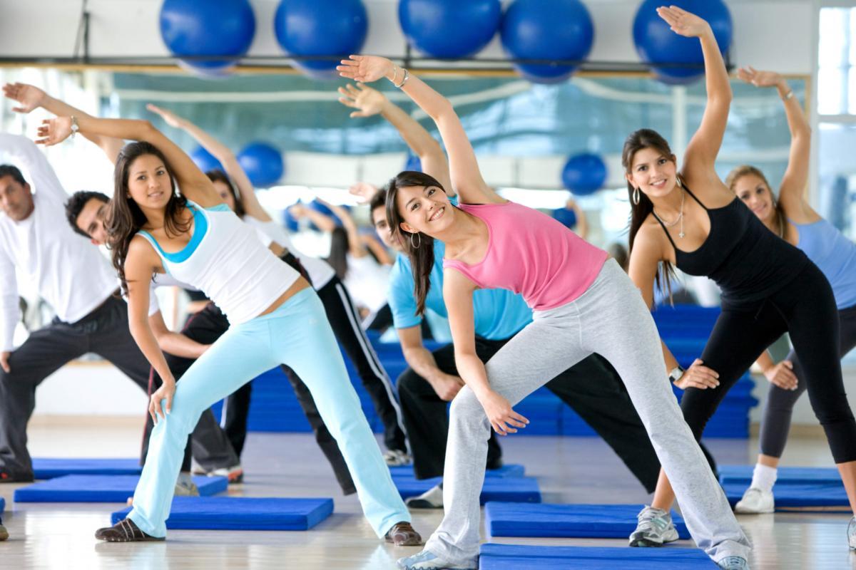 Групповые занятия фитнесом: какими они бывают и кому подойдут