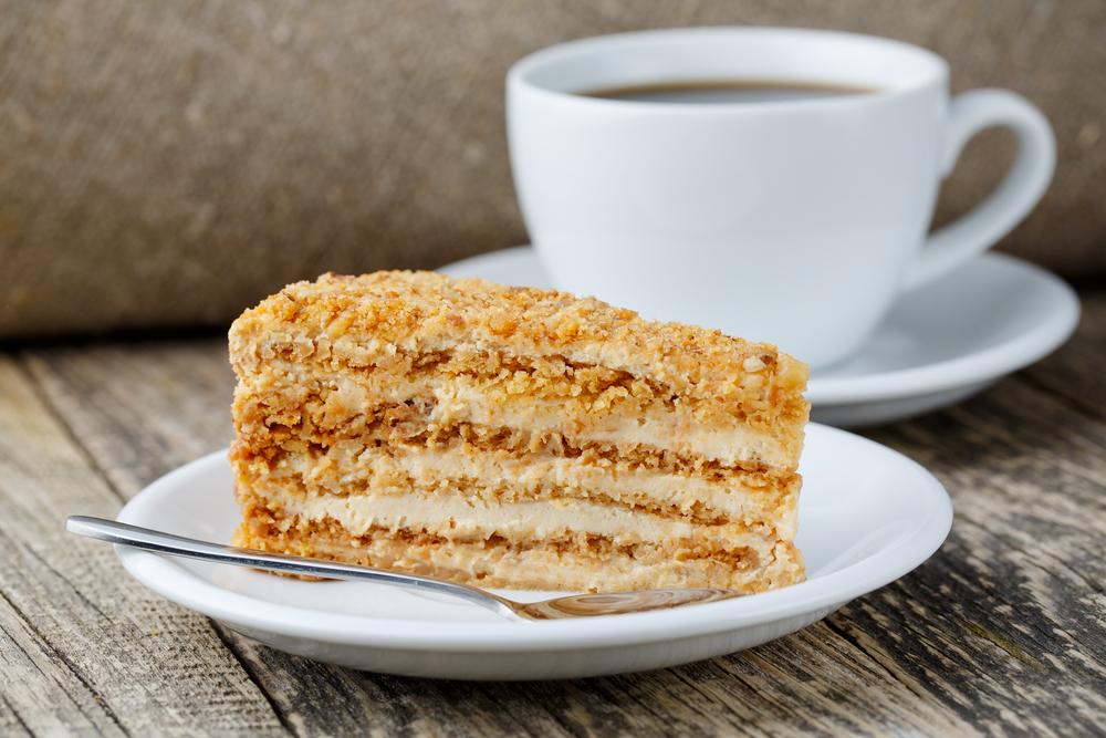 Самый вкусный торт медовик: рецепт, который приготовить несложно - фото №1
