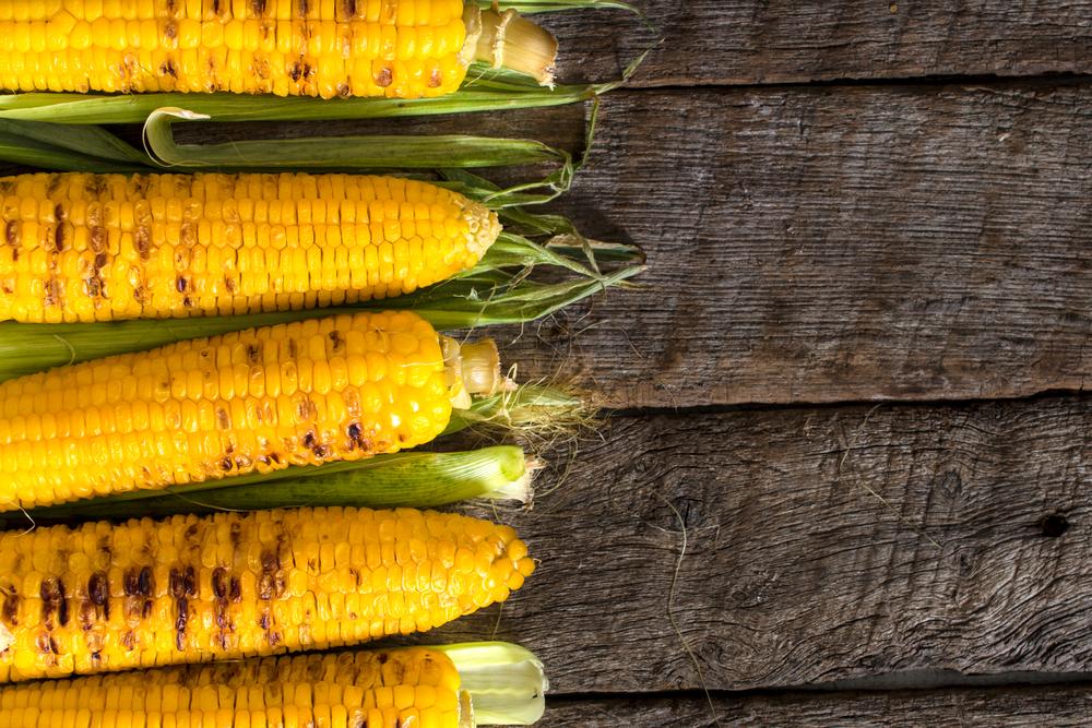 Рецепты кукурузы на гриле, после которых вы больше не захотите ее варить
