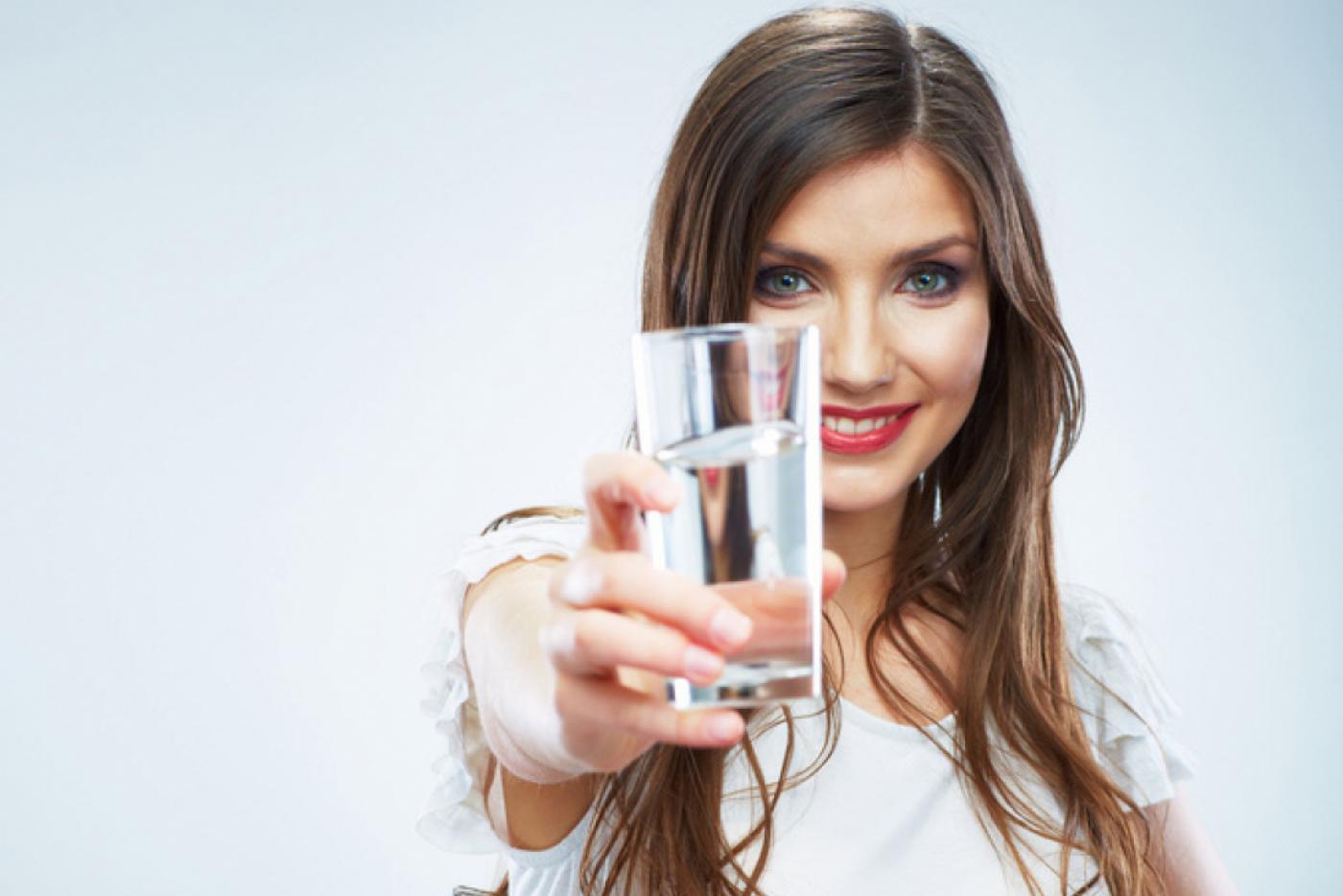 Как вывести лишнюю воду из организма, чтобы похудеть