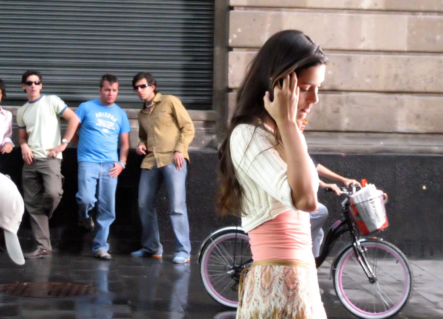 Секс на улице девочек 11 фотография