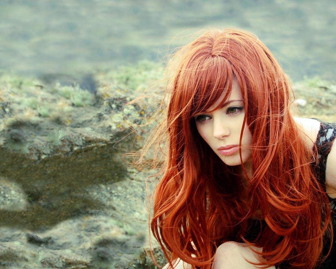 Какую косметику для макияжа можно использовать для волос: 4 интересные идеи