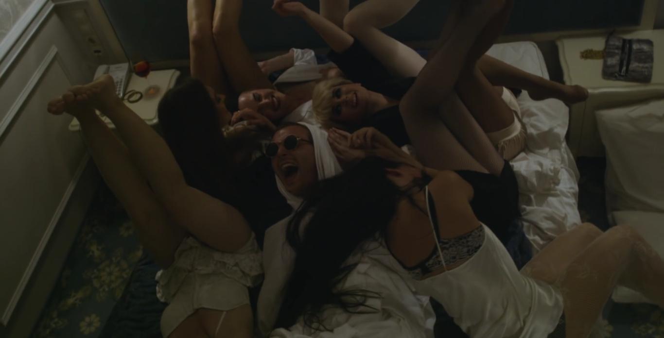 Самые откровенные сексуальные музклипы 11 фотография