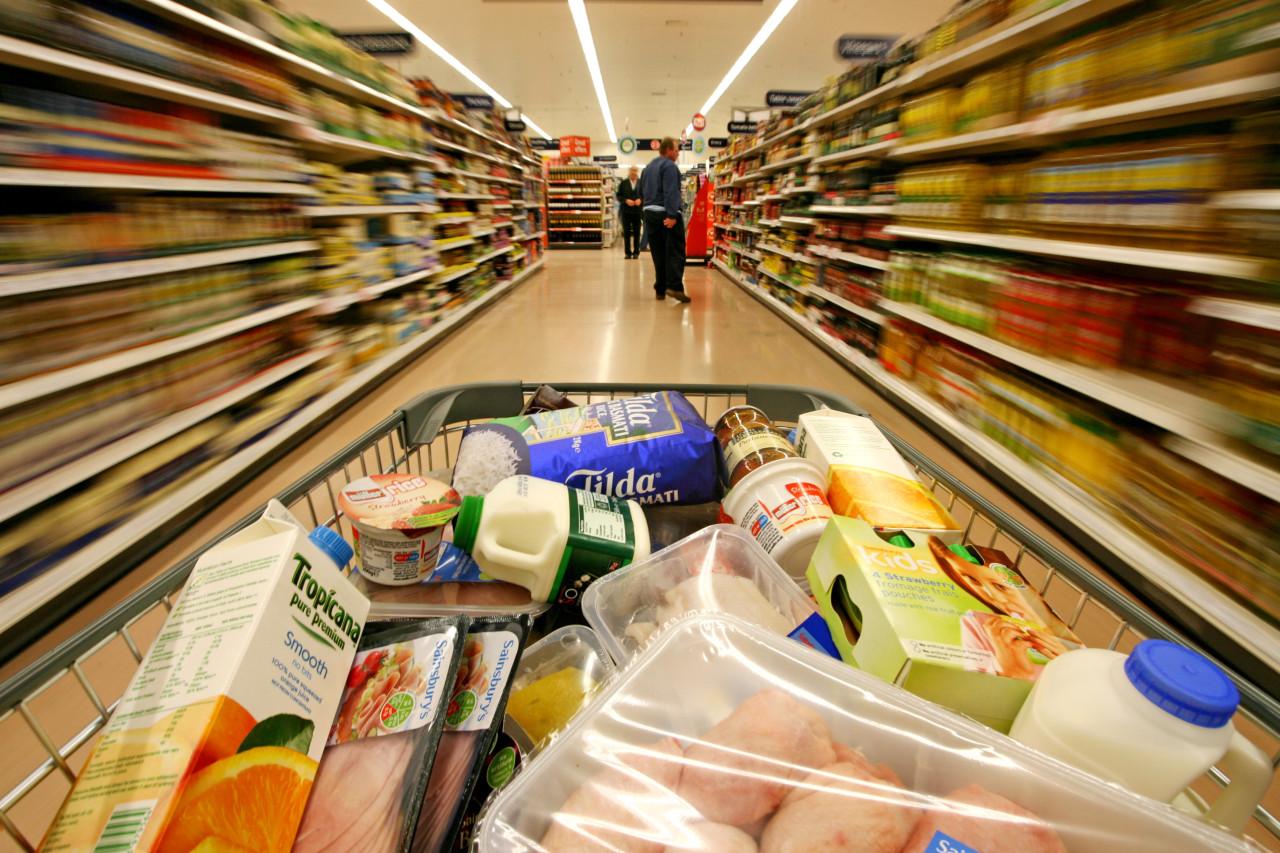 Опасно для жизни: какие продукты из супермаркета ни в коем случае нельзя есть