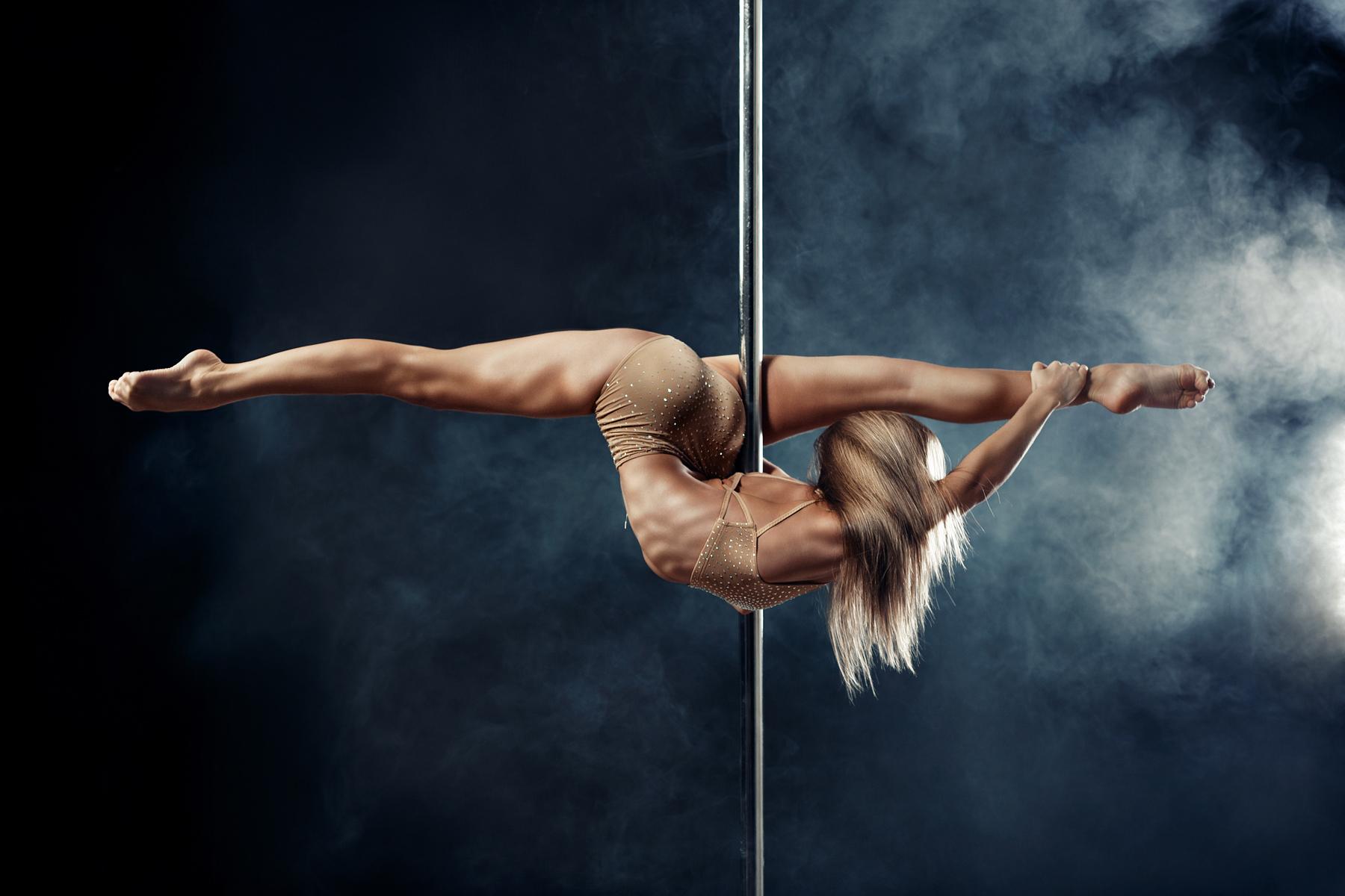 Смотреть онлайн танец стриптиз 16 фотография