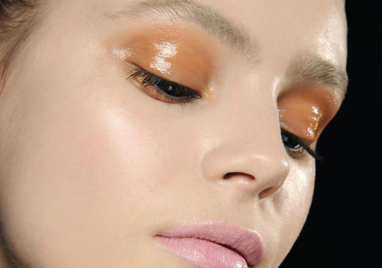 Мокрые тени для макияжа