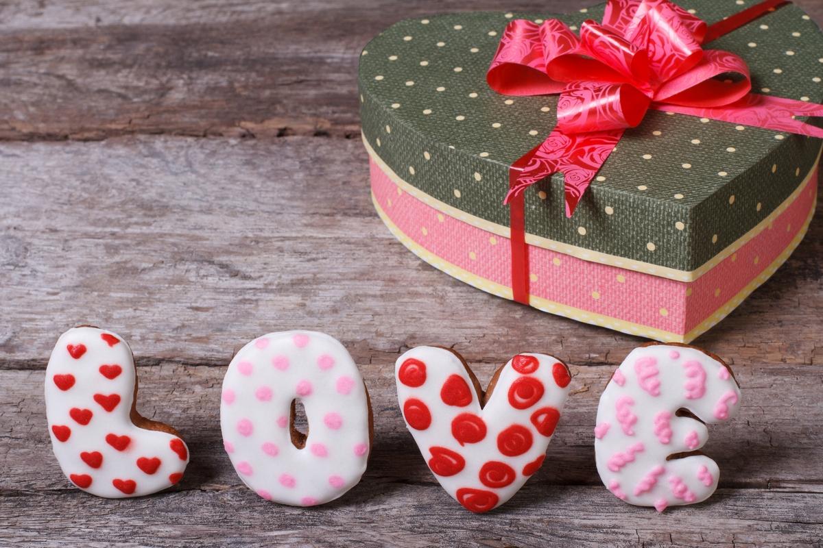 Какой бьюти-подарок подарить на День святого Валентина: 5 вариантов