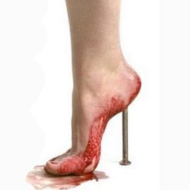 Высокие каблуки абсурдны: исследование доказало!