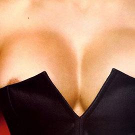 Самые шикарные силиконовые груди: звездная десятка
