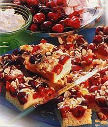 Вишневый пирог с корицей