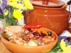 Пуй ку фасоле - цыпленок с фасолью по-молдавски