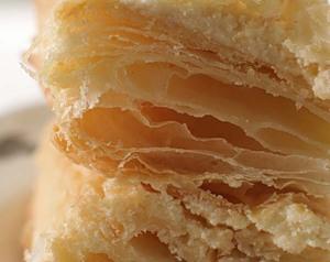 Слоеный торт с кремом по-французски MILLEFEUILLE