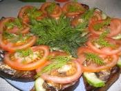 Бутерброды со шпротами с помидорами